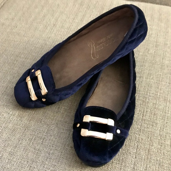 AEROSOLES Shoes - Navy Quilted Velvet Ballet Flats w/ Gold Detail